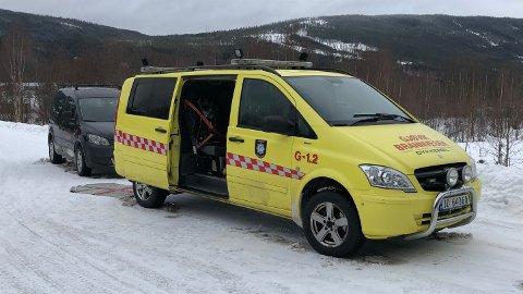 IKKE FUNN: Brannmannskaper fra Gjøvik brannvesen gjorde ferdig søket i Unsetåa mandag, men fant ingenting.