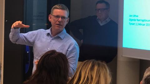 ILLE: Jon Kristiansen, regiondirektør i i NHO Innlandet, sier situasjonen vil bli svært alvorlig for lokalsamfunnene i Innlandet.