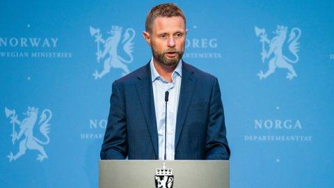 INFORMERTE: Helseminister Bent Høie (H) antydet at nye reiseråd er underveis. Foto: Håkon Mosvold Larsen (NTB scanpix)