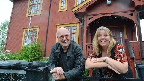 SENTERLEDERE: Gotmar Rustad og Mona Myrvang Nygaard har begge jobbet på Sentralen. Nå står huset tomt.