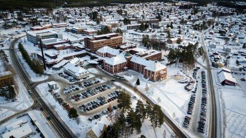 AKUTTSYKEH Fem avdelingssjefer for prehospitale tjenester i Innlandet mener hovedsykehuset må legges til Moelv og akuttsykehuset til Elverum.