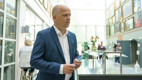 STATSMINISTERKAMP: Senterparti-leder Trygve Slagsvold Vedum ble valgt til partiets statsministerkandidat på Senterpartiets landsmøte i begynnelsen av juni, og det blir godt mottatt av velgerne. Foto: Torstein Bøe (NTB)