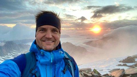 FORNØYD: Gustav Rogstad fra Elverum er godt fornøyd med toppturen han la ut på i helga. Den har så langt samlet inn over 300.000 kroner til Kreftforeningen.