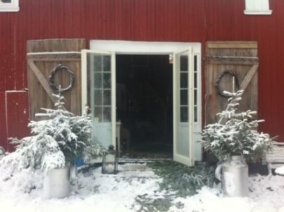 Igjen er det mulig å komme seg ut til Bjerkøy på en adventstur 6. og 7. desember. På Bjerkøy har de julemarked på skjærgårdslåven, en hyggelig båttur fra Knarberg brygge. Ta en rusletur, si hei til kuene, finn spennende julegaver på markedet, varm deg på kakao, kaffe, fyr på peisen og noe å bite i inne på kaféen.