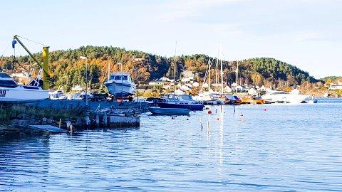 Kråkere båtforening har lenge hatt utbyggingsplaner i båthavna nord på Tjøme. Planene har det imidlertid tatt tid å realisere, i det de må søke på nytt.