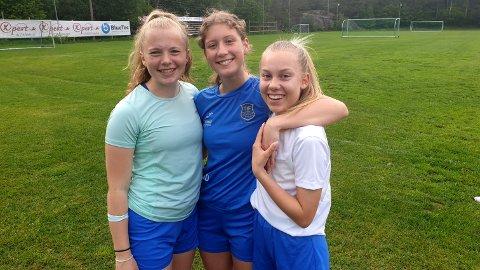 Flere av Teies egne jenter bidro til at 29 småjenter skulle trives i sitt møte med fotballen. Fra venstre Mathea Christoffersen, Theodora Berge Dahl og Oda Hofsø.