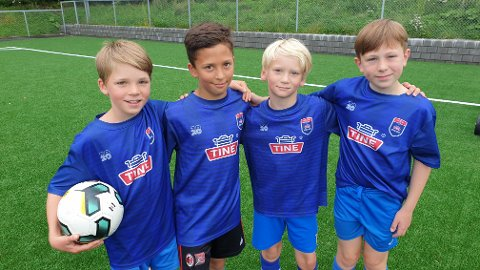 Fra venstre Iver Romøren, Elian Luka Fajardo, Cedrik Faugli Erlien og Markus Milliam Brygard Andersen deltok på fotballskolen.