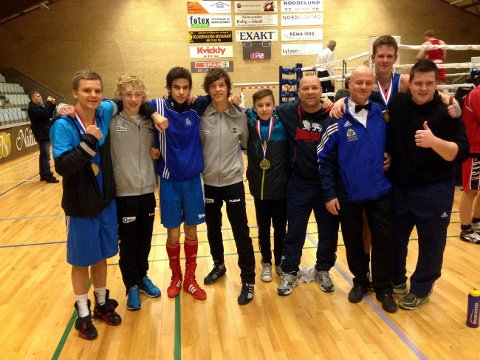 Fra venstre: Tomas Jacobsen, Thomas Williams (Kragerø), Adrian Haug, Thord Espolin Johnson (Kragerø), Erik Khizriev, Stig Amundsen, Vidar Numme, Marius Asdahl og Tommy Lennart Karlsen.