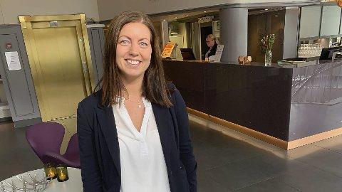 VENTELISTE: Anja Eriksen på Hotell Vic har fullt og ventelister.