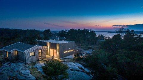 Attraktiv: Folk strømmet til visningen på denne Hvaler-hytta med prisantydning på nesten sju millioner kroner. Dagen etter var den solgt.