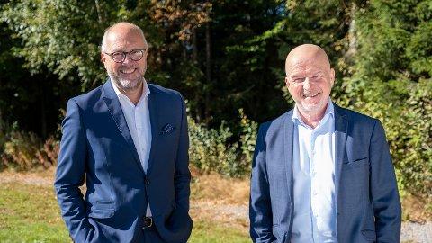 Halvorsen og Modum-banksjef Egil Meland.