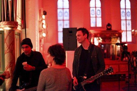 SPILTE MED RYPDAL: Johan Larsson (til venstre) stortrivdes da han og medraksting Knut Oscar Nymo fikk spille med Inger Lise Rypdal i Oslo Domkirke.