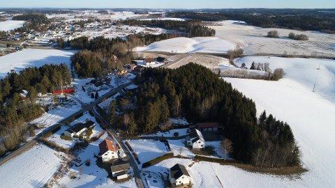 """IDYLLISK OMRÅDE: Her planlegges det nye boligfeltet """"Elvenestoppen"""". Foto: Nordisk Eiendomsutvikling AS"""