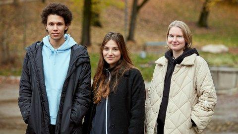 TALENTER: Darin Hagi (midten) sammen med skuespillerne Kayd Wacays og Hanna Heider Hov. Sammen spiller de vennegjengen Mo, Klara og Lotte.