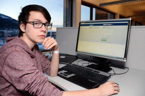 SLÅTT UT AV HACKERE: 15-år gamle Martin Bang Båtstrand fikk en psykisk reaksjon av at hackere tok kontroll over hans Facebook-profil og spredde barnepornografisk materiale i hans navn. Foto: Arne Forbord