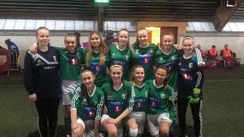 Gruben IL jenter 14 år vant Stamnes cup.