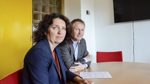 Følger opp: Skolesjef Lillian Nærem og rådmann Robert Pettersen følger opp bestillinga fra politikerne. Foto: Toril S. Alfsvåg