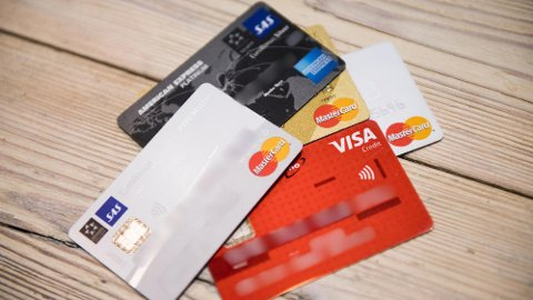 BER KUNDENE FØLGE MED: Streik i finansnæringen kan bety trøbbel for nettbank og betalingstjenester. Foto: Jon Olav Nesvold / NTB scanpix