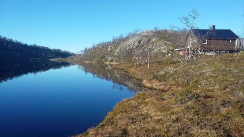 Hytta til Roy Aastrøm og Helene Hansen i Grønfjelldalen. Kommunen konkluderer med at den er ulovlig.