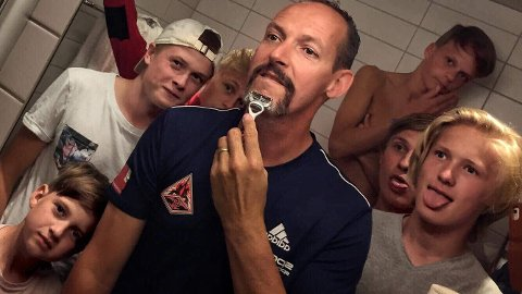 Tor-Arne Nordvik gjorde som mange trenere har gjort før ham, nemlig å love bort en tett barbering hvis spillerne presterte på banen.