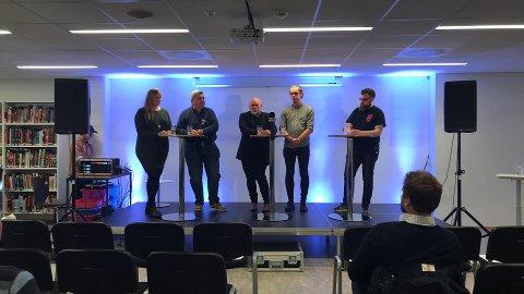 F.v.: Stine Mariell Fløttkjær Hansen (Nord universitet), Geir Staib (Rana kommune), Sven Henriksen, Einar Nybakk Pettersen (dramaelev Mjølan vgs.), Kenneth Gabrielsen.