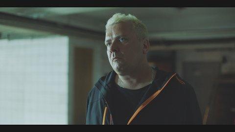 """Jørgen Nordeng debuterer som skuespiller i tv-serien """"Besatt"""" på Viaplay og TV3 i slutten av oktober. Bildet er fra innspillingen."""