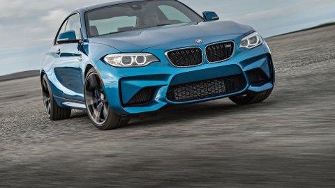 BMW M2 er blant bilene som får et solid avgiftskutt med det nye statsbudsjettet.