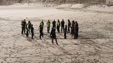Slik var det på Sagbakken stadion sist uke. Likevel var det lag som gjennomførte treninger på banen. Foto: Tore Arne Jakobsen