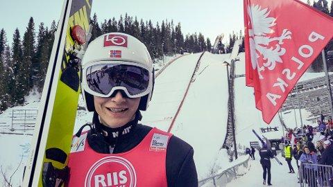 Robin Pedersen i Granåsen etter prøvehoppingen til Raw Air-rennet i Trondheim. 121 meter på høyere fart enn i onsdagens kvalifisering.