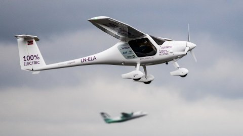 Avinor-sjef Dag Falk-Petersen var involvert i et flydrama med norges eneste el-fly.