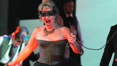 Opera: Ringsakeroperaen setter opp Carmen høsten 2015. Med Anna Sundstrøm Otervik i hovedrollen. Her er hun i en annen rolle.