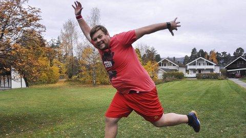 Jublende glad: Ole Martin Kjønstad har i mange år hatt en tung hverdag på grunn av overvekt. De siste 14 månedene har han gått ned 52 kilo. Da er det grunn til å juble. Foto: Ole Ludvig Rosenborg