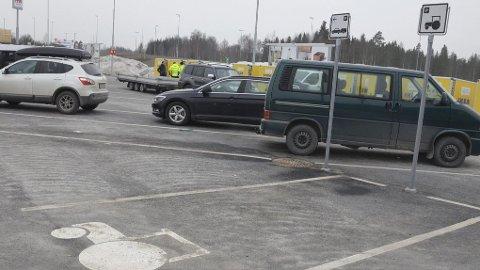 Plass til alle: Ikea Ringsaker er først ut med egen traktorparkering.Foto: Jeanette Sandbæk Håland