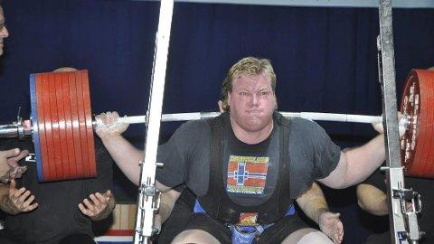 Råsterk: Carl Yngvar Christensen ble verdensmester under VM i styrkeløft i Denver, USA, og b le første utøver til å klare 1230 kilo sammenlagt. Nå har han lagt opp.