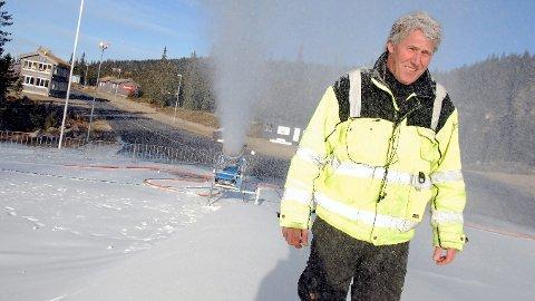 Johannes Haukåssveen håper å trekke til seg skiløpere fra inn- og utland når løypene på Sjusjøen skisenter etter planen åpnes om en måned. Arkivfoto.
