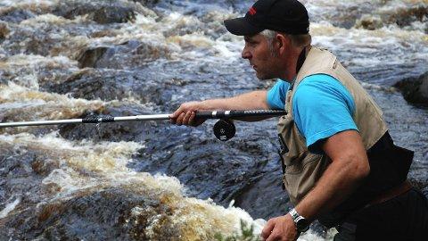 RM-vinner: Arild Halvorsen opplevde en opptur i Brumunda i årets fiskesesong. Det ga han seier i RM fisk. Dette bildet er tatt fra tidligere sesong med langt mer vatn i elva enn tilfellet har vært i sommer. Foto: Arkiv