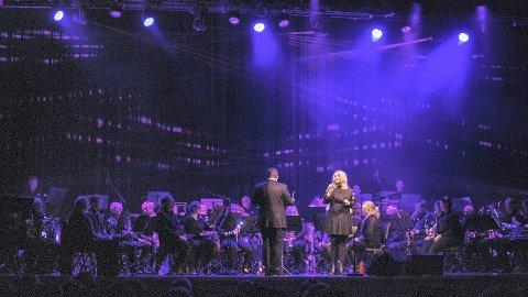 Kraftig kjærlighet: Helene Bøksle og Ringsaker Janitsjar har en gjensidig forelskelse som førte dem sammen igjen etter fjorårets julekonsert. FOTO: HELENE MARIE S. PAALSRUD