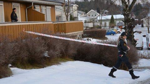 Mannen i 20-årene fra Somalia har ikke fått forlenget opphold i Norge, derfor frykter politiet at han skal rømme fra Norge og straffeansvaret sitt dersom han slippes fri.