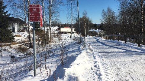 Hedmark Trafikk har i lengre tid ønsket å finne en kortere bussforbindelse gjennom Nydal. Hvor de ønsker traseen er ikke bestemt.