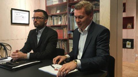 Øyvind Frich (til høyre) skal drive det nye hotellet i Brumunddal.