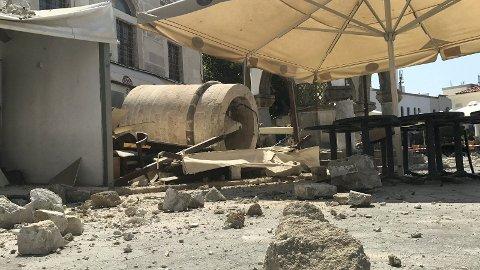 Et jordskjelv på 6,7 på ritchers skala skapte dramatiske opplevelser for mange. Simen Opsal og kompisne var i Bar Street da jordskjelvet inntraff.