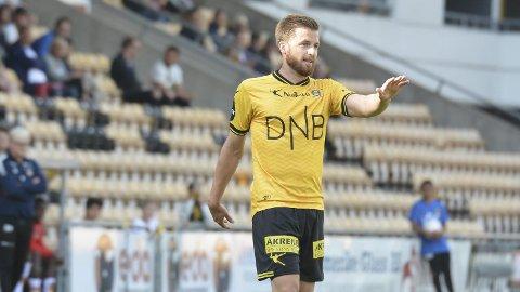 Innbytter: Aleksander Melgalvis kom inn som innbytter i bortekampen mot Stabæk. Han kvitterte med målgivende, men LSK tapte. Thomas Lehne Olsen startet kampen, men ble byttet ut i andre omgang uten å prege kampen.