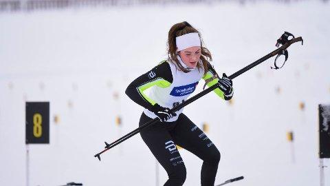 Gina Lagmandsveen Hjemli sikret KM-tittel i skiskyting på Veldre sag. Søndag går hun NM-stafett på Gåsbu. - Det blir stort, sier MjøsSki-løperen.