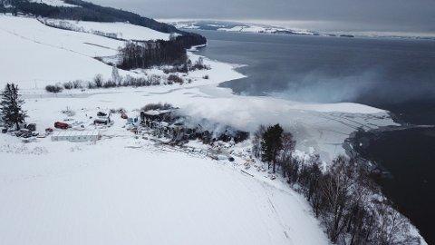 Mattilsynet er bekymret for utslippene i Mjøsa etter brannen på renseanlegget på Skreia i desember.