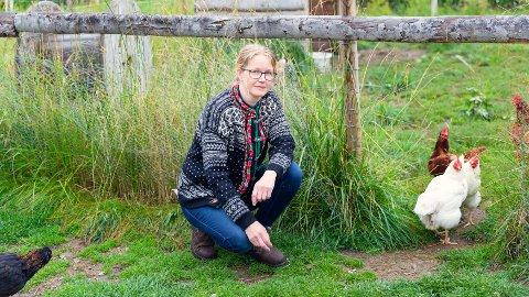 """INN PÅ TUNET: Linda Bakke på Penningrud gård på Stavsjø skal starte opp dagtilbudet """"Inn på tunet"""""""