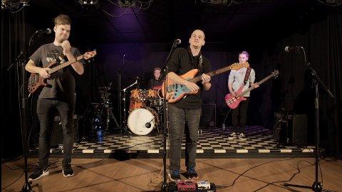 Bandet Vaguely Ordinary fra Ringsaker/Ringebu ble nummer to i Ubarka 2020. Bandet består av Petter Haugom Bakke, Edvard Myrløkken, Kristian Lund og Ingvild Hartviksen.