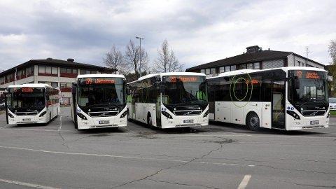 SKOLEBUSSENE SKAL KJØRE: Fra 13. mai skal alle skolebusser være i gang igjen.