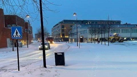 DALA: Slik så det ut i Brumunddal sentrum klokken 06.30 torsdag morgen.