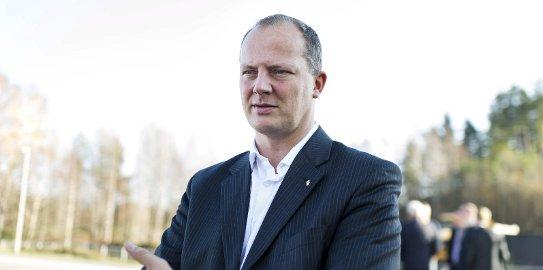 Ketil Solvik-Olsen svarte på spørsmål om ny E16 gjennom Jevnaker.