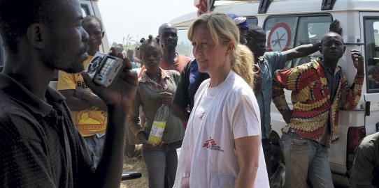 - Jobben min har gjort at jeg har blitt flinkere til å leve her og nå, ikke tenke så langt fram, sier nødhjelpskoordinator for Leger Uten Grenser, Lindis Hurum.